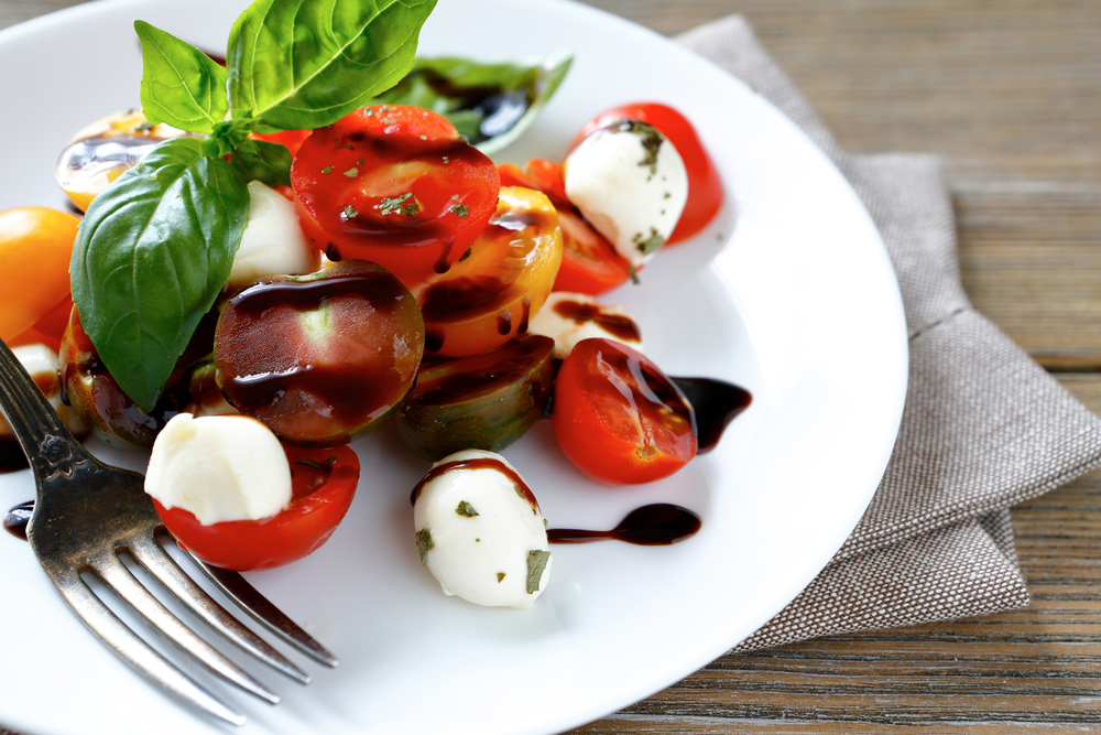 Caprese salad with mozzarella, tomatoes