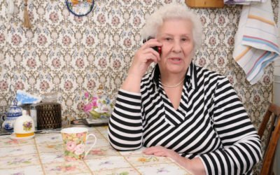 How to Discuss Finances with Seniors