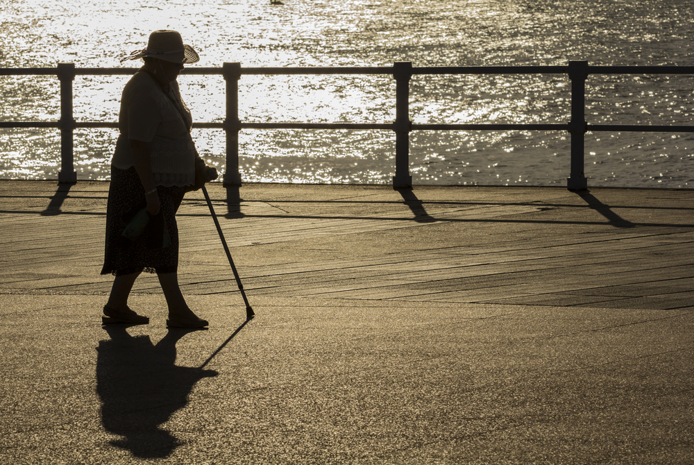 8 Science-Backed Health Benefits to Walking for Seniors