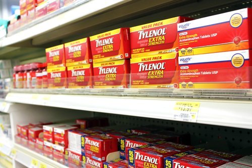 How much acetaminophen a day is safe?